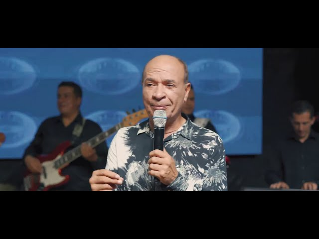 Me Salió Maestra - Luis Alberto Posada (En Vivo)