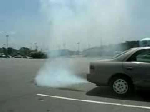 Seafoam Camry 98' Ridiculous Amount of Smoke