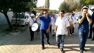 Bol Davullu Çiftetelli Lüleburgazlı Küçük Hasan Ortaköy'de. Güne Davul zurnayla başlamak.Saat:08.30