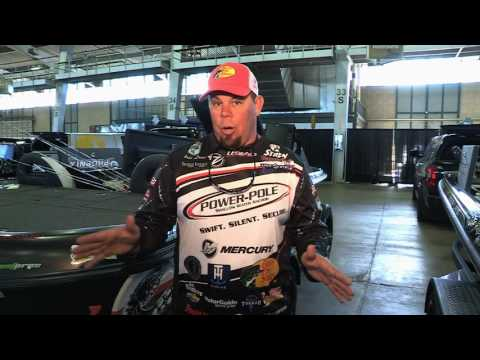 FOX Sports Outdoors ASK THE PRO - Chris Lane Talks About Fishing Crowded Lakes