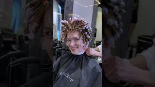 Вертикальная химическая завивка на длинные волосы
