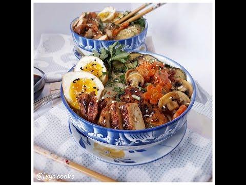 ramen---soupe-de-nouilles-aux-poulet-et-aux-légumes--