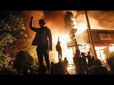 شاهد: تواصل الاحتجاجات العنيفة لليوم الثالث على التوالي في مينيابوليس الأمريكية…  - نشر قبل 4 دقيقة