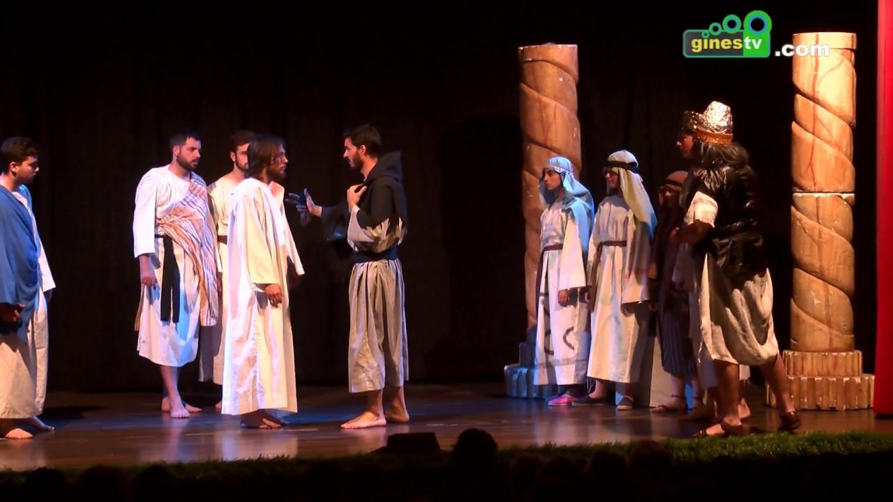 El Tronío acogió una impresionante representación de 'La Pasión de Cristo'