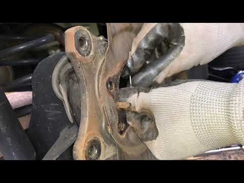 Kia Soul how to replace rotors and wheel hub assembly, wheel hub bearing