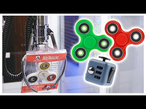 Winning FIDGET SPINNERS From The Claw Machine! || Fidget Toy Claw Game ( CLOSED )