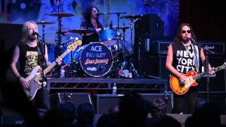 09-15-15 - Ace Frehley - Arcada Theatre - Shock Me (with guitar solo)