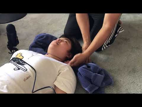 how to neck crack the ring dinger like Houston Chiropractor Dr. Gregory Johnson, DC