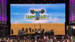 Nathaniel Rateliff and the Night Sweats - Look It here (Live at Farm Aid 2017)