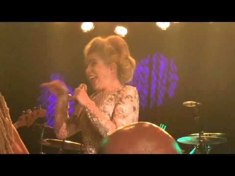 Paloma Faith - I Just Can't Rely On You  Live At The Roxy T