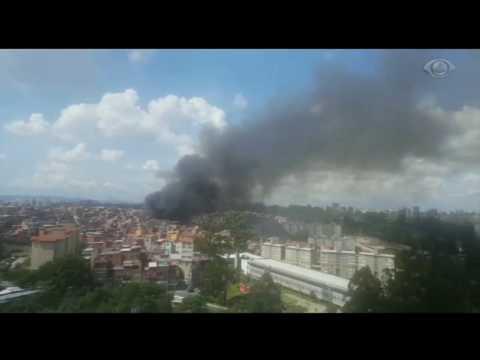 SP: Incêndio destrói casas na favela de Paraisópolis