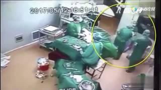 (VTC14)_Trung Quốc: Bác sĩ và y tá đánh nhau ngay giữa ca mổ