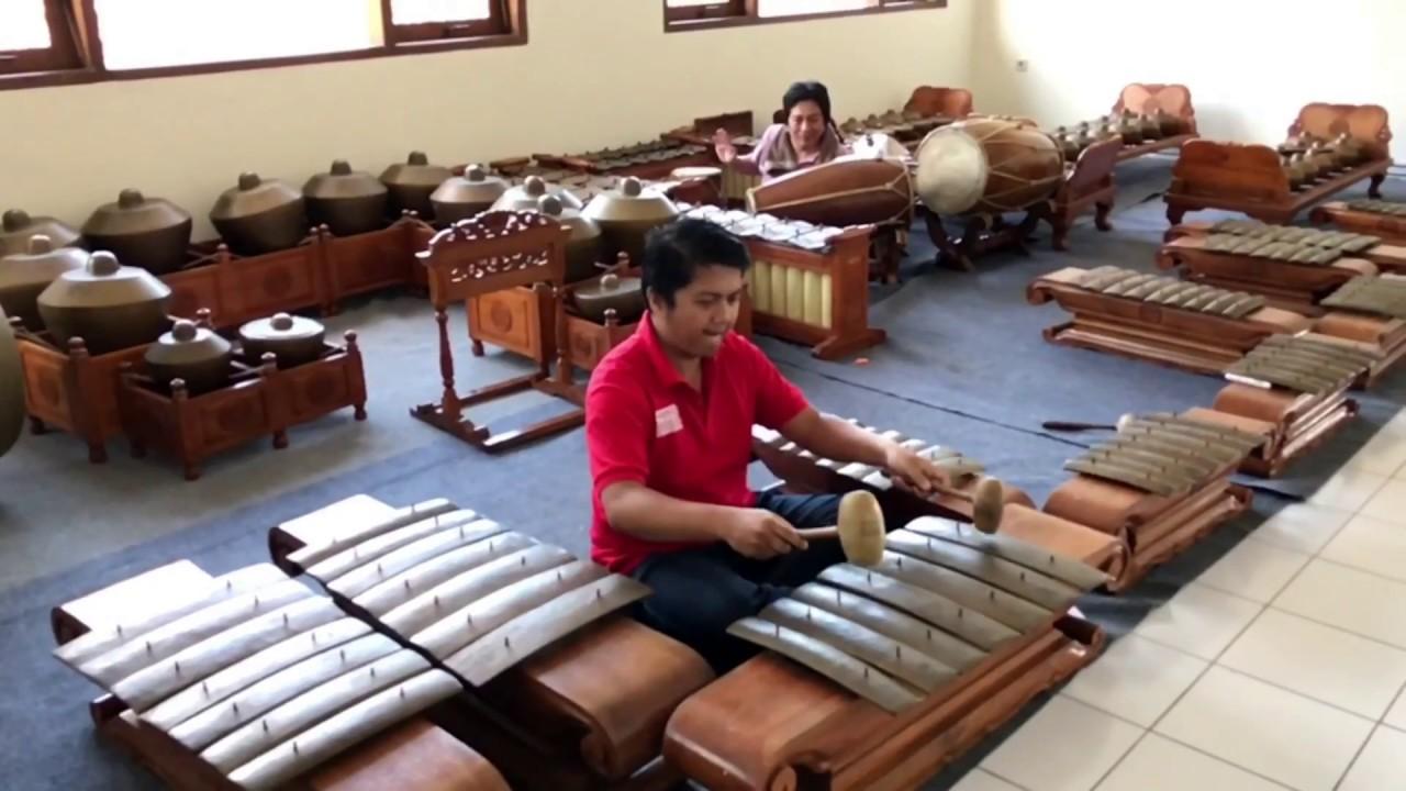 Workshop Roland At SMI ( Sekolah Musik Indonesia ) Exhibition Semarang  & STAB Kopeng (LatePost)