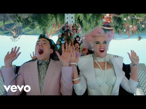 katy perry estrena el video clip de chained to the rhythm junto a skip marley