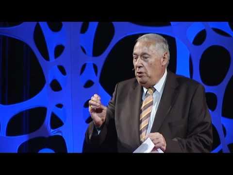 TEDxDanubia 2011 - Sárközy Tamás - Iustitia -- ráció, hit és érzelem a gazdasági jogban