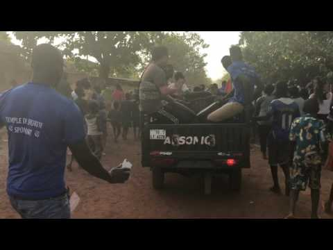 쿨레칸 | Burkina Faso Travel |  Bolo Art's opening parade (2016)
