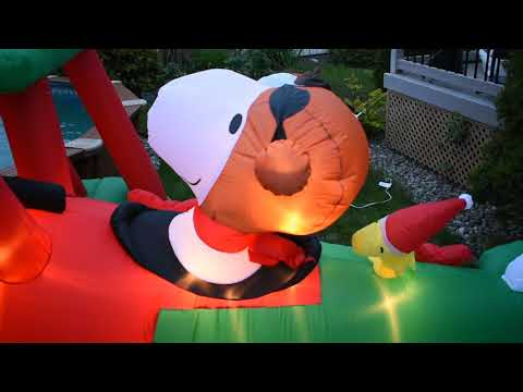 """Christmas Inflatable Peanuts 42/"""" Snoopy in his Ho Ho Ho Sweater By Gemmy"""