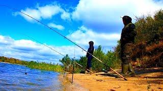 Отличная Рыбалка на РЕКЕ с Ночёвкой в Лютый Ветер в Красивом месте