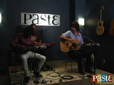 "Pete Yorn ""Paradise Cove"" live at Paste"