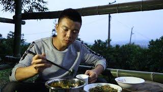 欢子在大山里苦练内功,厨艺大增美食做得炉火纯青,创业不易 【欢子TV】
