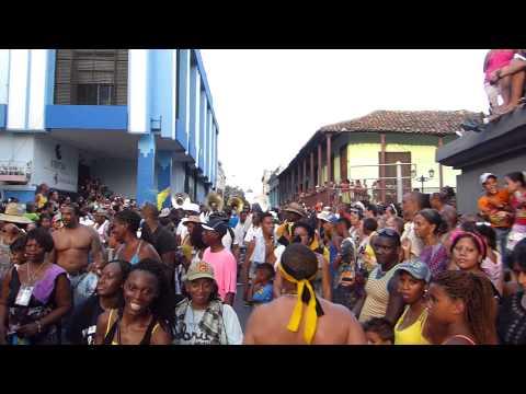 Bahamas Junkanoo Rush Out in Cuba | Festival del Caribe 2015