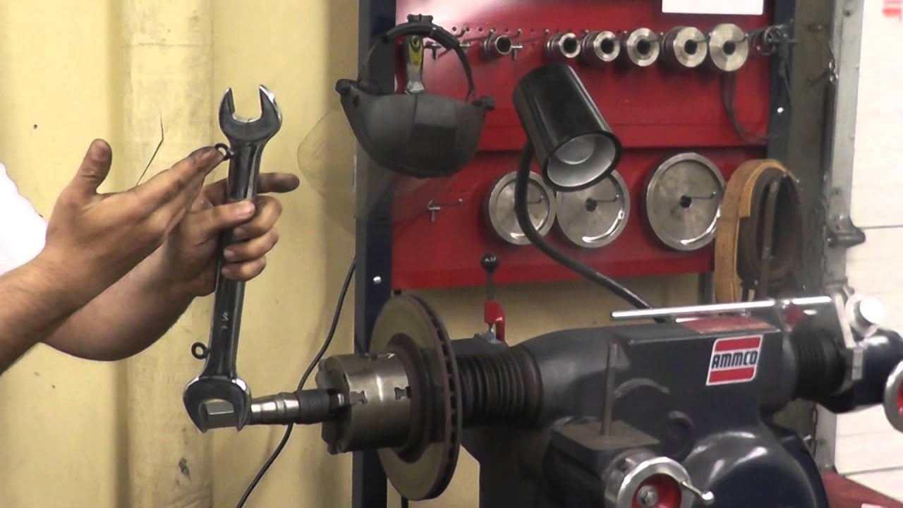 machine brake rotor on ammco 4000 brake lathe 001 youtube rh youtube com Ammco Brake Tools Ammco Brake Logo