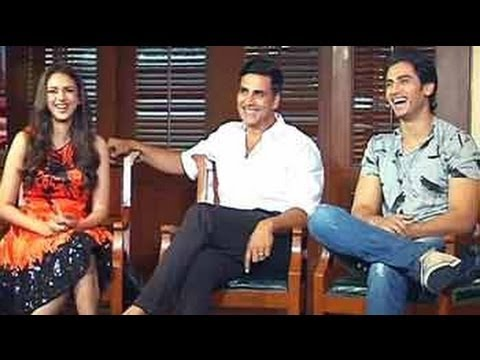 Akshay Kumar, Aditi, Shiv in conversation about their latest movie 'Boss' Travel Video