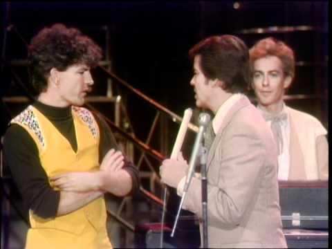 Dick Clark Interviews Split Enz - American Bandstand 1981