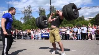 Шоу силачей Strongman с участием зрителей в Алтуфьево