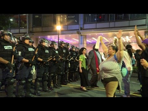 Fresh unrest in US city of Charlotte after police shooting