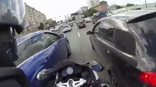 BMW K1300S vs Moscow heavy traffic