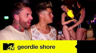 Holly eskaliert im Taxi | Geordie Shore | MTV Deutschland