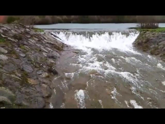 A fervenza do Lago das Pontes presume de forza