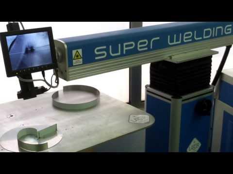 Laser Mallorca fabricando letras corporeas con acero inox