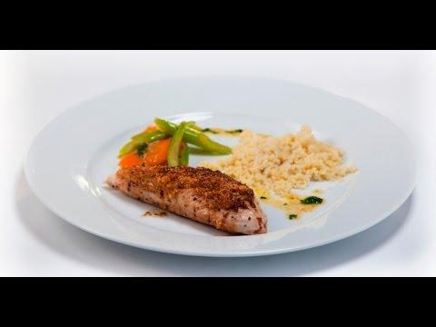 Филе индейки в ореховой панировке с кускусом и овощами   Дежурный по кухне