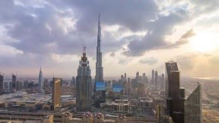 Burj Khalifa Timelapse : Nature's light-show over Dubai.