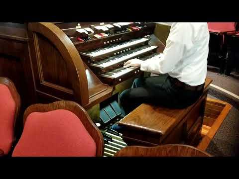Kilgen Organ Solo. My Heavenly Father Loves Me .
