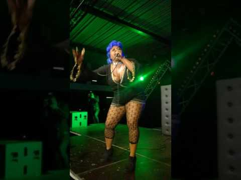 Ochi Queen live on stage @futur (Turnhout)