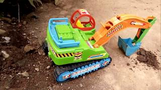 Download Video Truk Beko Pengeruk Tanah| Pasir Construction Vehichles For Kids | Playing For Kids MP3 3GP MP4