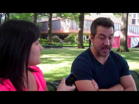 Maria Interviews JOEY FATONE of NSYNC!