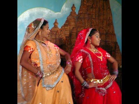 KHAJURAHO (INDIA) DANZE TRADIZIONALI INDIANE