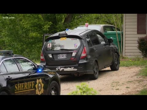 Jefferson County deputies found more than bombs during traffic stop