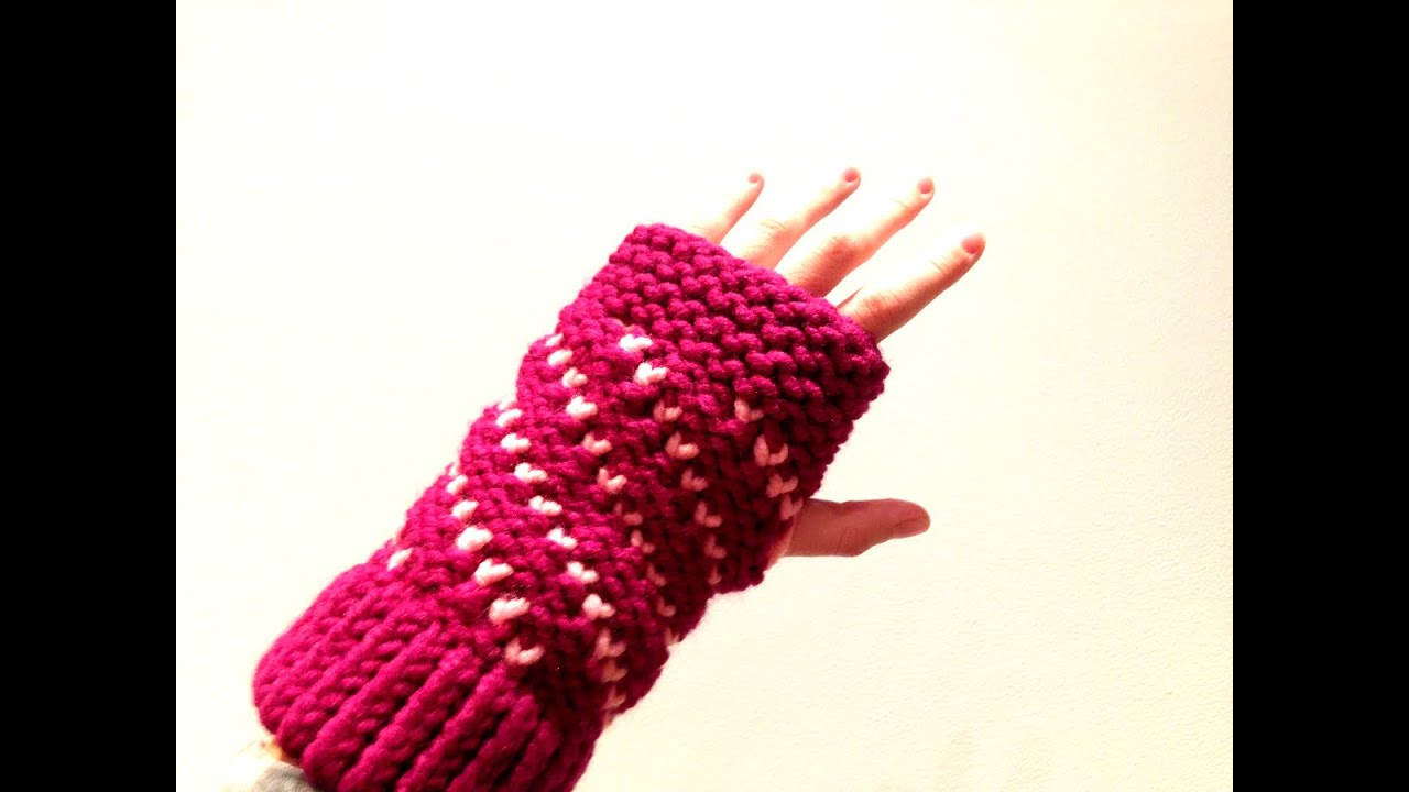 How to Loom Knit Bicolor Mini Hearts Spiral Fingerless Mittens (DIY ...