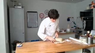 Как обтянуть торт мастикой?