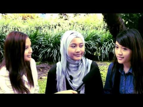 interview in city park at dago bandung
