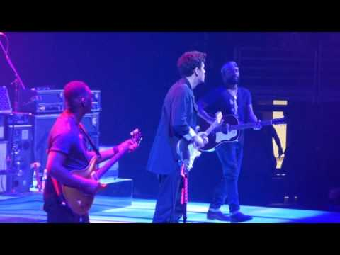 John Mayer - Slow Dancing in a Burning Room 4/11/17 United Center  Chicago, IL