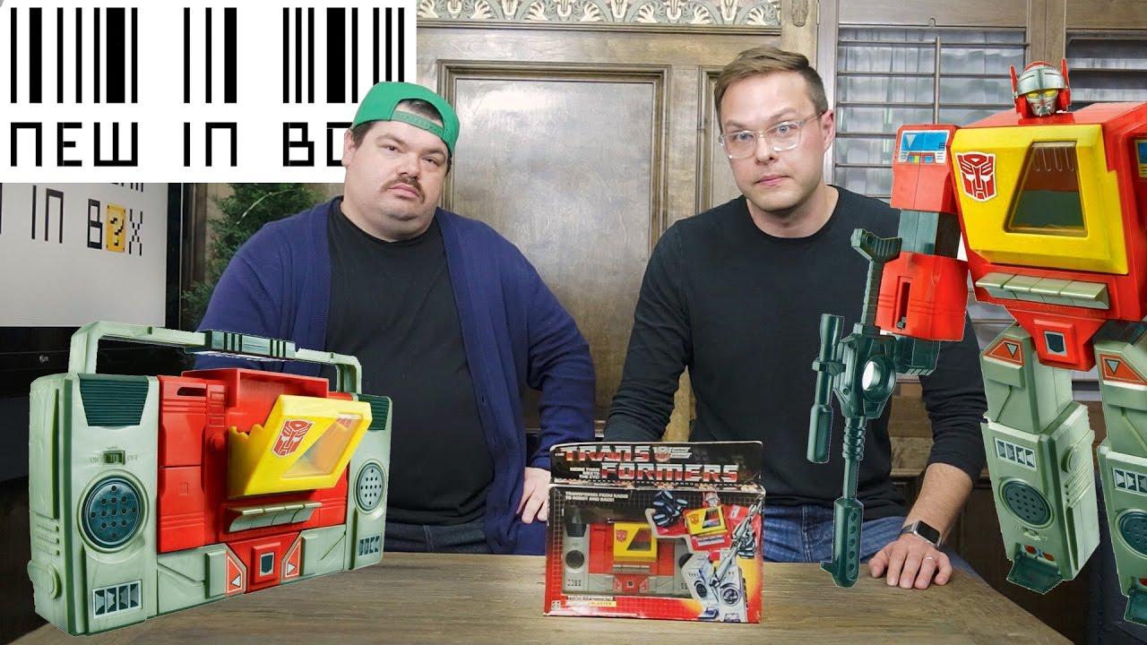 NEW IN BOX - Transformers G1 Blaster (Season 1 FINALE)