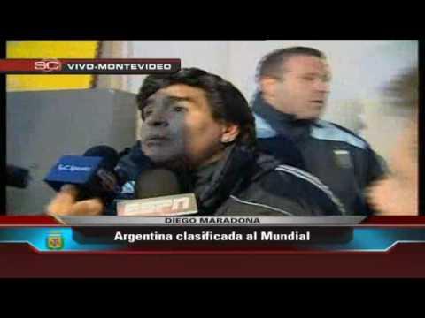 Maradona explota con prensa despues de la clasificacion de Argentina