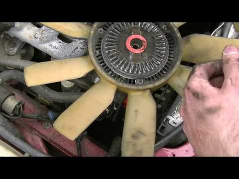 How to replace the fan clutch on a Mercedes M103