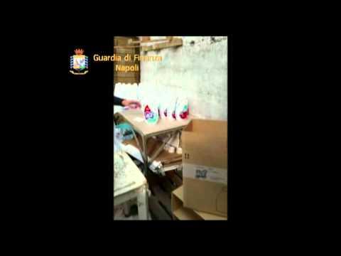 Napoli, la finanza sequestra detersivi contraffatti